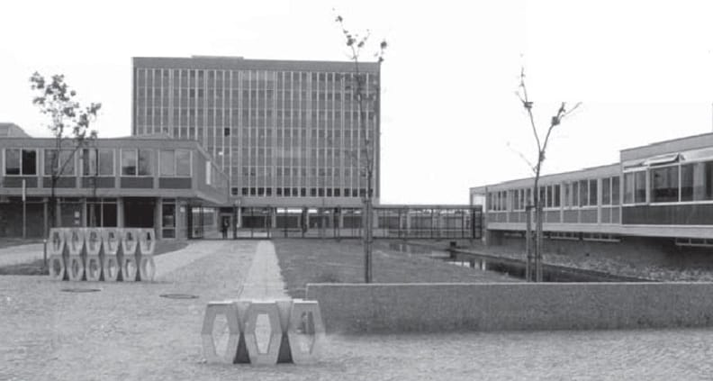 Ansicht des historischen Gebäudes der TH Luebeck aus den 70er Jahren