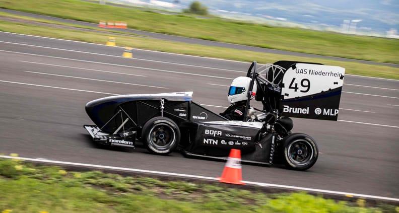 Der Rennwagen des HSNR-Racing-Teams beim Rennen in Tschechien.