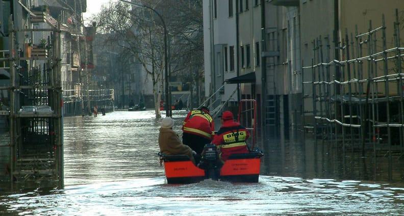 Einen einhundertprozentigen Schutz vor Extremereignissen wie Sturmfluten kann es nicht geben. Umso wichtiger ist es, die verbleibenden Hochwasserrisiken zu managen.