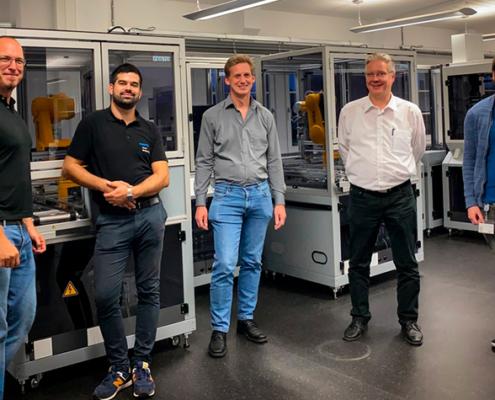 Automatisierte Produktionsstraße der FH Bielefeld sorgt für glückliche Gesichter.