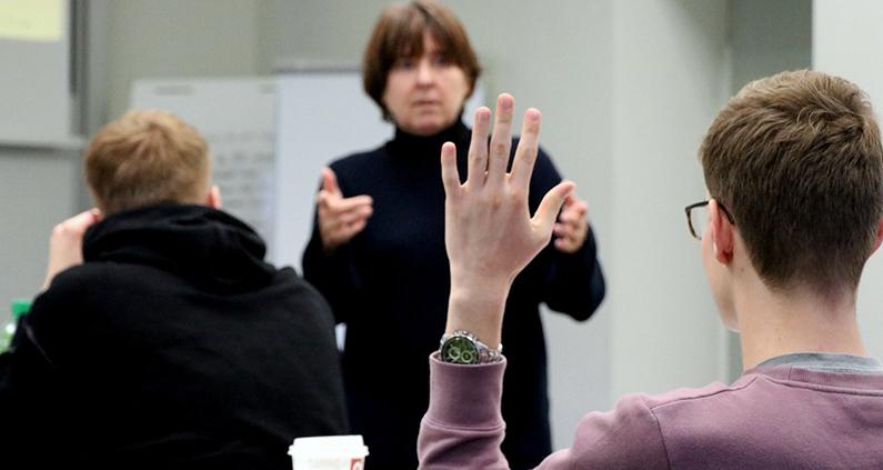 HWR Berlin erhält finanzielle Unterstützung aus Bund-Länder-Programm zur Gewinnung und Qualifizierung Nachwuchswissenschaftler/innen und Praktiker/innen für Professur an einer Fachhochschule.