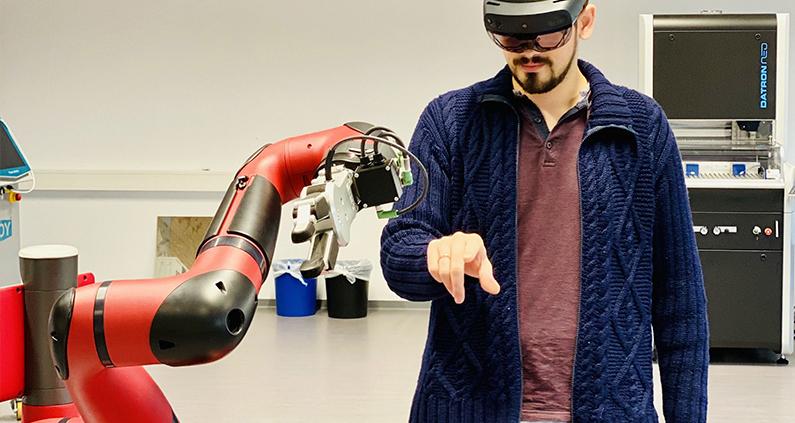 Unterschiedliche Robotertypen gehören ebenso zur Ausstattung der Smart Factory Mittelhessen wie verschiedene Software zur Produktionsplanung.