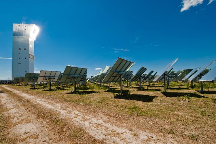 Regenerative Energie zur Herstellung von klimaneutralem Wasserstoff.