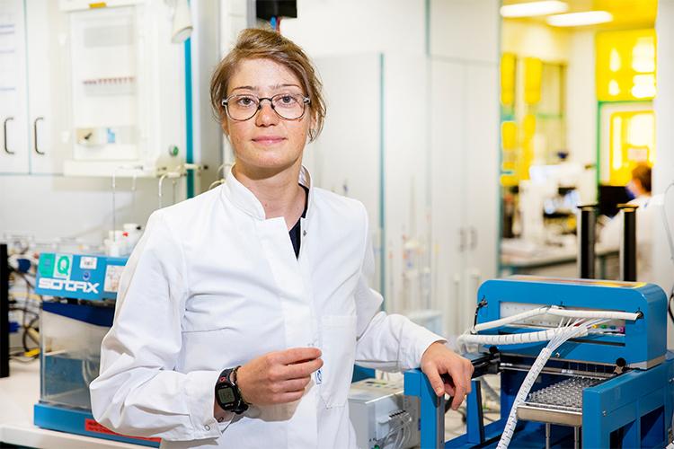 Eine Doktorandin der TH Köln forscht nach einer Alternative zu Tabletten.
