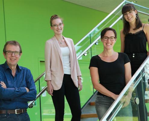 Prof. Dr. Jörg Bergemann, Barbara Hochecker, Katja Matt und Alica Schöller-Mann haben gezeigt, dass sich eine Fastenkur und die damit verbundene Kalorienreduktion positiv auf zentrale Zellfunktionen auswirkt.