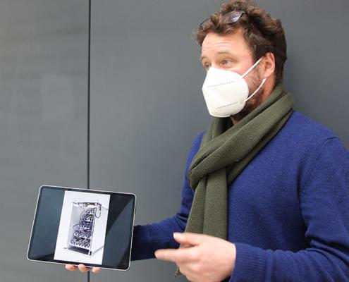 Jan Schmidt präsentierte sein Kunstwerk im Neubau der THM.