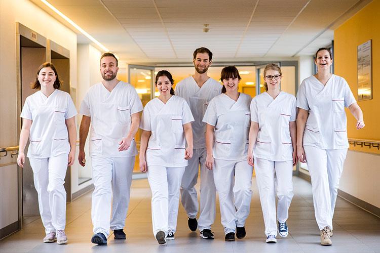 Mit dem Angebot der Hochschule Osnabrück erlangt die Pflege eine große Professionalisierung.