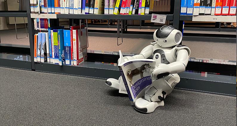 Soziale Roboter in Stadtverwaltungen des Ruhrgebiets.