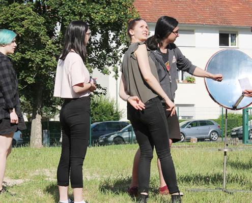 Der Friedberger Fachbereich Mathematik, Naturwissenschaften und Datenverarbeitung organisierte für das zweite Semester einen Feldversuch zur Solarthermie und machte in der Veranstaltung auch möglich, sich mit Studierenden höherer Semester auszutauschen.