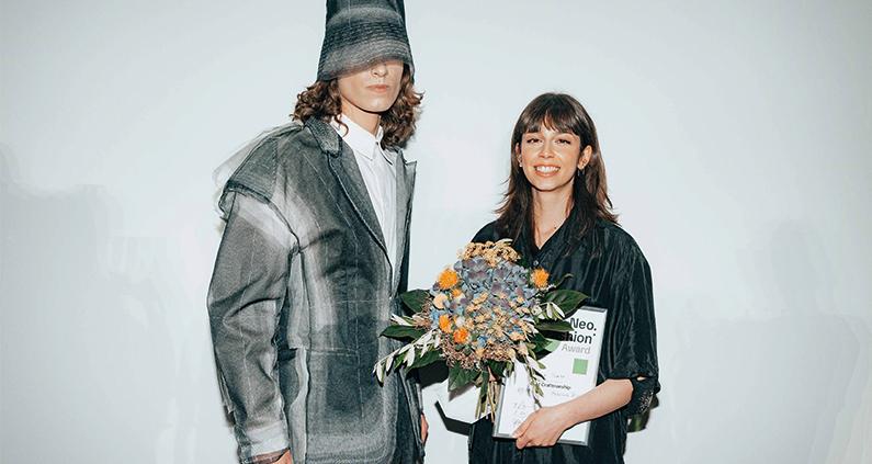 """Die Fachhochschule (FH) Bielefeld war mit ihren Absolventinnen bei der """"Collective Graduate Show"""" gemeinsam mit fünf weiteren Hochschulen sowie bei der """"Best Graduates' Show"""" vertreten."""